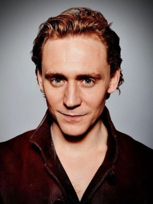 1359637730_full-tom-hiddleston-1169879328