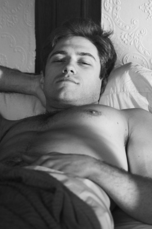 aaron-tveit-bed