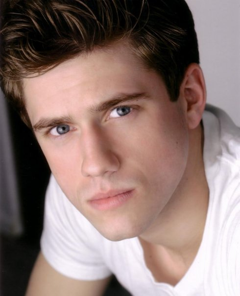 aaron-tveit-photo