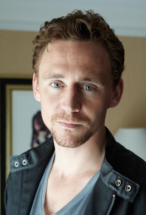 la célébrité de Martin du 02 avril trouvée par Martine Tom-hiddleston-image-tom-hiddleston-36381524-750-1106